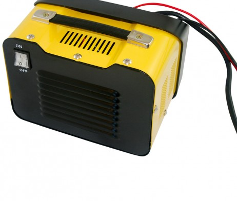 FDE 200 Series 12V / 24V 300W Car Battery Charger